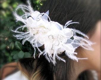 Fine white brilliance feathers bridal fascinator comb
