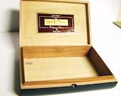 MENS VALET BOX - Vintage Cigar Box w/great condition + graphics, Man Cave Decor, Handy Storage, Display, Organizer, Vintage Box, Storage Box