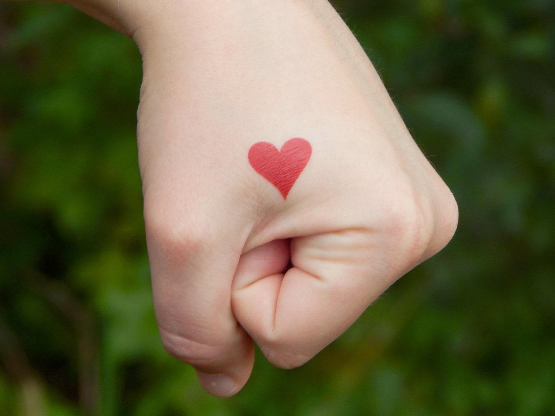 love temporary tattoo red heart tattoo wedding tattoo. Black Bedroom Furniture Sets. Home Design Ideas