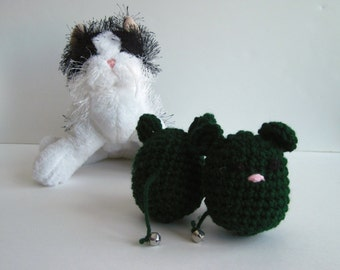Crochet Cat Mouse Toy:  Premium Catnip (Set of 2) In Hunter Green