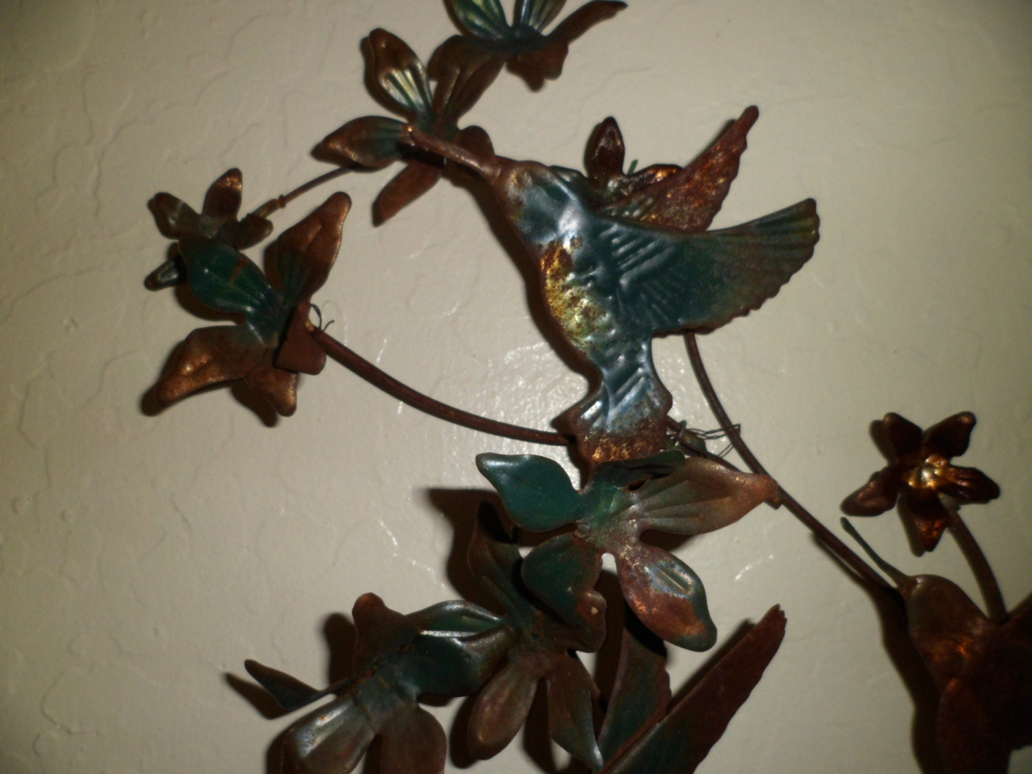 Vintage metal wall art blue hummingbird and by for Hummingbird decor
