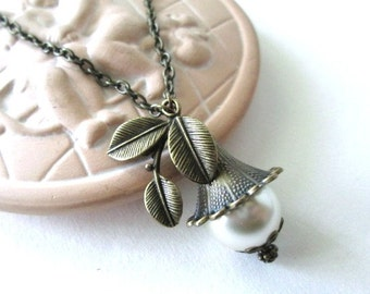 Ivory flower bud necklace leaf charm jewelry antique brass bronze flower pendant necklace vintage victorian style long chain necklace