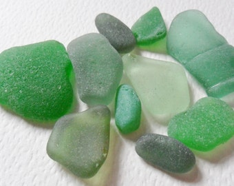 10 pretty mixed size green sea glass - Lovely English beach find pieces.