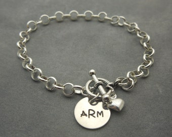 Personalized monogram rolo cable chain bracelet in sterling silver