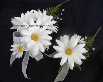 Set of 2  Daisy Corsages for Mother of the Bride or Groom Hippie Wedding Silk Flowers. Shasta Alaskan Daisies. Rustic Boho Destination Bride