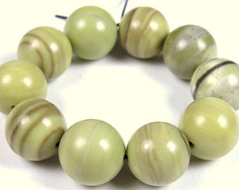 Fabulous Butter Jade Round Bead - 12mm - 10 Pieces - B0695