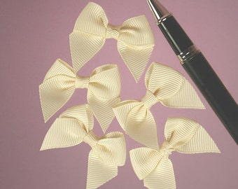 """25ct. Tiny Ivory Grosgrain Butterfly Bow Ties 1-1/2"""" x 1-5/8"""" (FREE SHIPPING!)"""