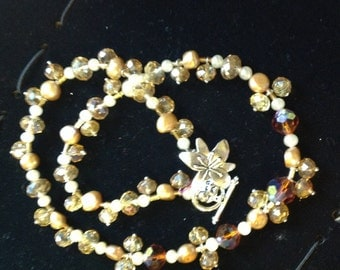 Lovely crystal and pearl necklace (479)