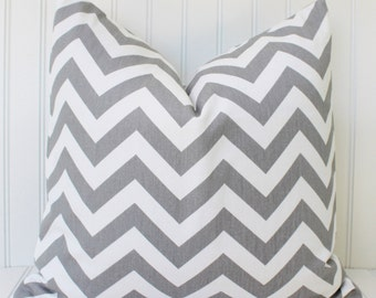 Gray Pillow.Decorative Pillow.Throw Pillow Cover.Gray and White Cushion Cover.Zig Zag.Chevron.Stripe