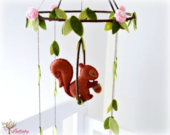 Squirrel mobile - woodland - Nursery baby mobile - Felt green, auburn and cinnamon squirrel, pink roses  - Nursery decor - MADE TO ORDER