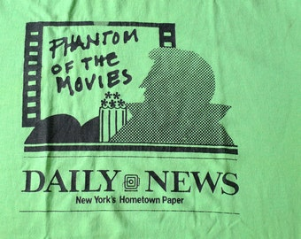 Vintage 80s Phantom of the Movies Daily News New York's Hometown Paper Green T-Shirt