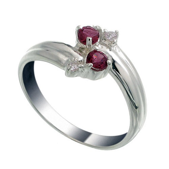 wedding anniversary gemstone gifts rings for years
