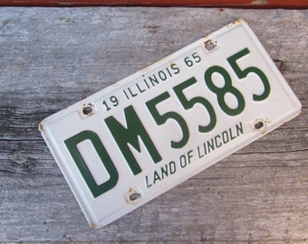 Vintage Metal License Plate Man Cave Garage Sign Hanger 1965 Green & White Hanger Illinois  Land of Lincoln Rusted and Naturally Distressed