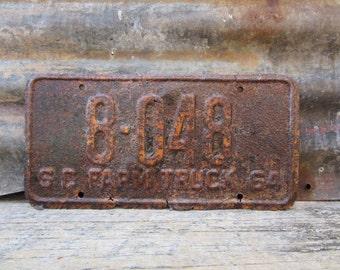 License Plate Vintage License Plate 1964 60s Era South Carolina License Plate VTG Rusty Rusted Patina Aged Patina Man Cave Sign Garage Sign