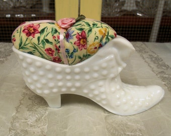 Pincushion, Fenton Hobnail Cat Face Boot, Floral Fabric