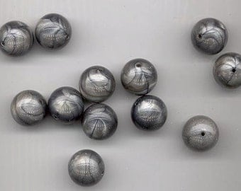 Ten beautiful vintage lucite beads - silvery gray satiny swirls - 15.5 mm rounds