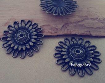 10pcs  Antique bronze flower pendant charm 30mm