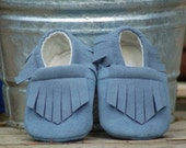 Periwinkle gray blue faux suede baby moccasin 6-9 months.