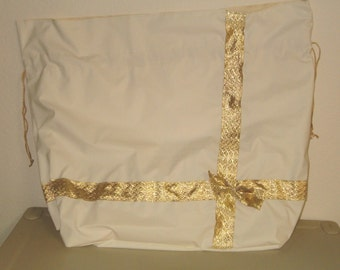 Ivory Package Fabric Gift Bag