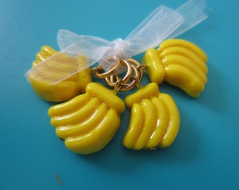 A set of  4 handmade polymer banana stitch markers for knitting - 4.00 mm