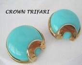 Crown Trifari Earrings Turquoise Aqua Lucite