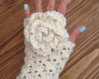 Crochet Lace Fingerless Gloves, 100% wool wrist warmer fingerless gloves, flower fingerless gloves