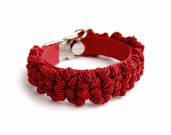 SOLD OUT - Dog collar : red crowded knots