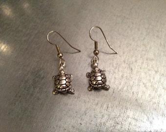Turtle Earrings, Dangle Earrings, Animal Earrings, Gift for her, gift under 20, secret santa gift, girlfriend gift, best friend gift