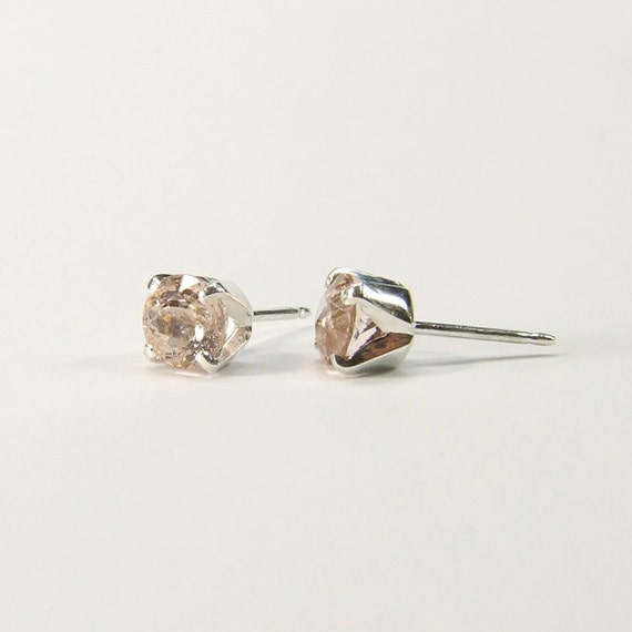 Emerald (Pink Emerald or 'Morganite'), 6mm x 0.90 Carat, Round Cut, Sterling Silver Post Earrings
