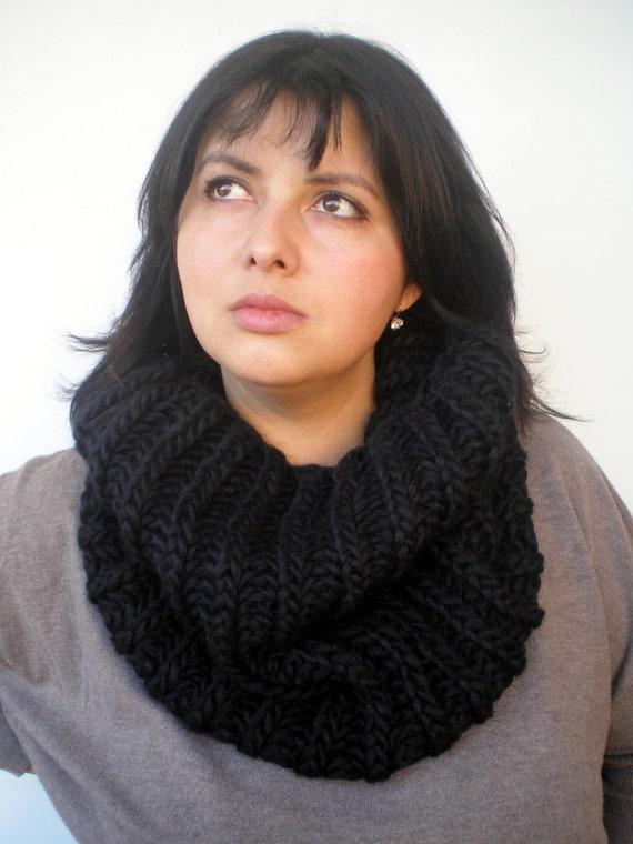 SALE Black  Fashion   Cowl Super Soft Wool Neckwarmer Unisex Fashion Cowl Chunky Design Cowlneck