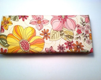 Magic Wallet - Billfold Pink and Yellow Flowers with Striped Interior