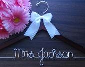 Personalized Keepsake Bridal Hanger, Custom Made Wedding Hangers with Names, Bridal Shower Gift idea,Wedding Photo Props