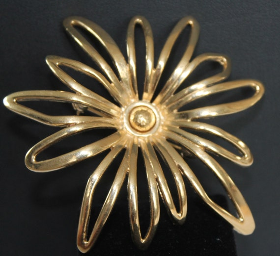 BROOCH Beautiful GIVENCHY Gold plated Metal Figural  Flower Pendant