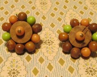 Vintage beaded clipon earrings -brown, green JAPAN 1950's