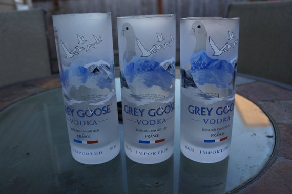 coupe grey goose coupe verre bouteille de vodka grey goose. Black Bedroom Furniture Sets. Home Design Ideas
