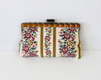 Vintage Floral Tapestry Handbag, Tapestry Purse, Tapestry Clutch, Needlepoint Purse, Needlepoint Clutch, Needlepoint Handbag, Lucite Purse