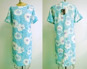 Vintage Plus Size Blue Paisley Daisy Dress with Matching Pin - XL/XXL