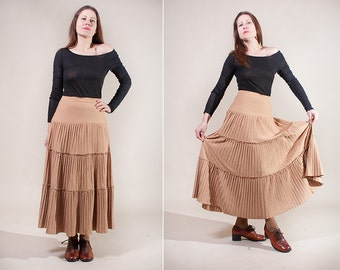 Accordion pleat maxi skirt / Light brown skirt /  Ankle length knit skirt / size Small to Medium