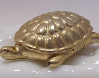 Avon Turtle With Candid Solid Perfume
