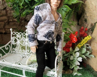 Wearable man jumper for 1:12 scale doll house dolls