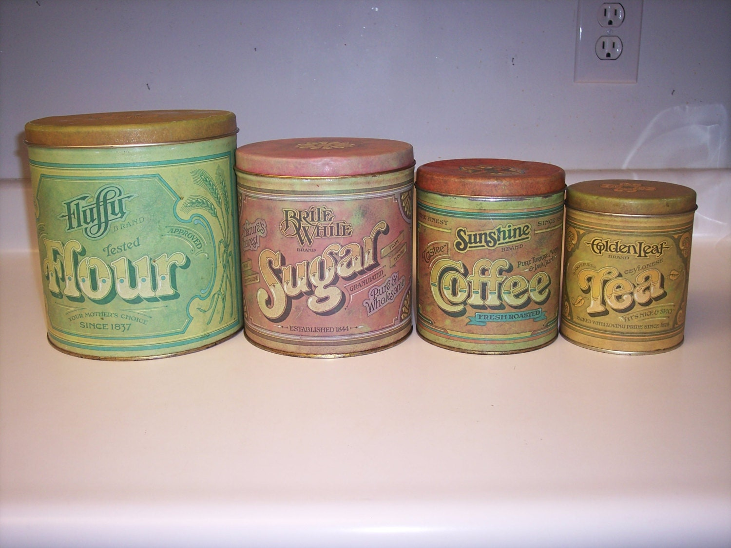 28 kitchen canisters flour sugar vintage kitchen canisters