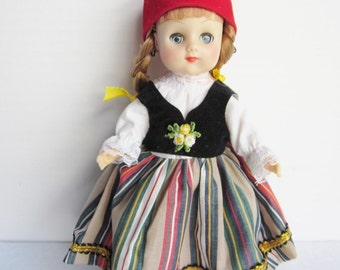 Vintage Dolls Of All Nations, Greece
