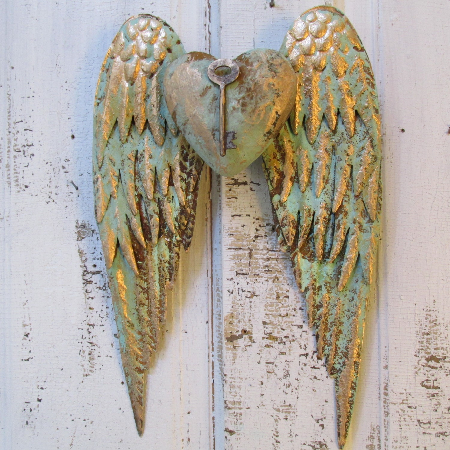 Angel wings wall decor with key heart shabby chic rusty metal for Angel wall decoration