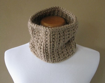 Chunky Knit Cowl in Taupe