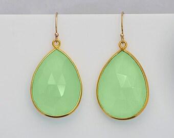 Apple Green Chalcedony earrings, bezel set Earrings, dangle Earrings, August Birthstone, long earrings, drop earrings, bridesmaid jewelry