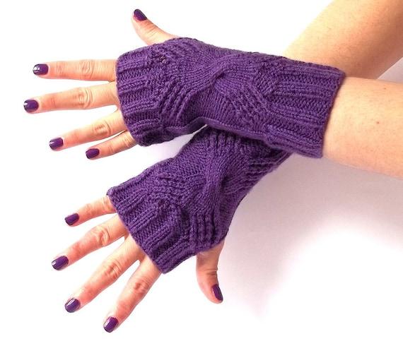SALE - 50%OFF. Purple Knit Fingerless Gloves. Knit Fingerless Mittens. Knitted Wrist Warmers. Hand Knit Gloves. Knit Mittens. Hand Warmers.