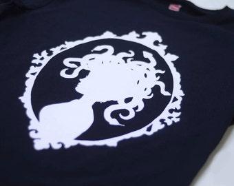 Medusa Tshirt - Framed Medusa Silhouette T-Shirt (Available sizes S, M)