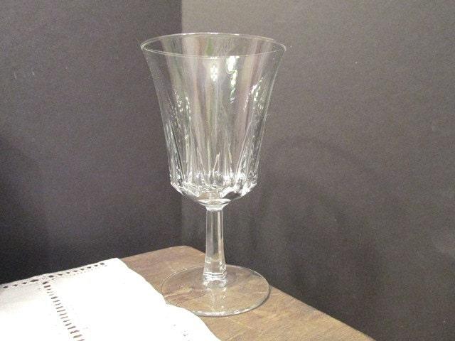 vintage luminarc wine glasses french stemware water glasses. Black Bedroom Furniture Sets. Home Design Ideas