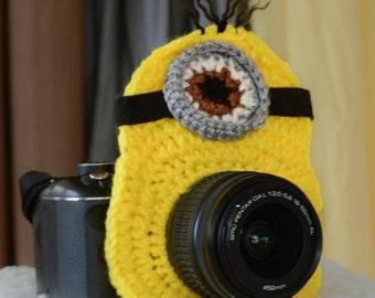 Crochet Minion Camera/Lens Buddy