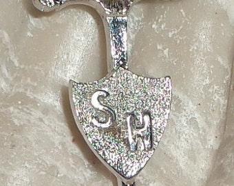 Sacred Heart Brooch silver tone metal*